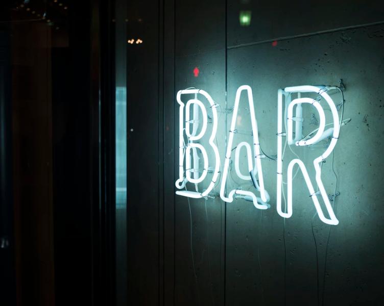 Les bars insolites à Paris pour boire, mais pas que !