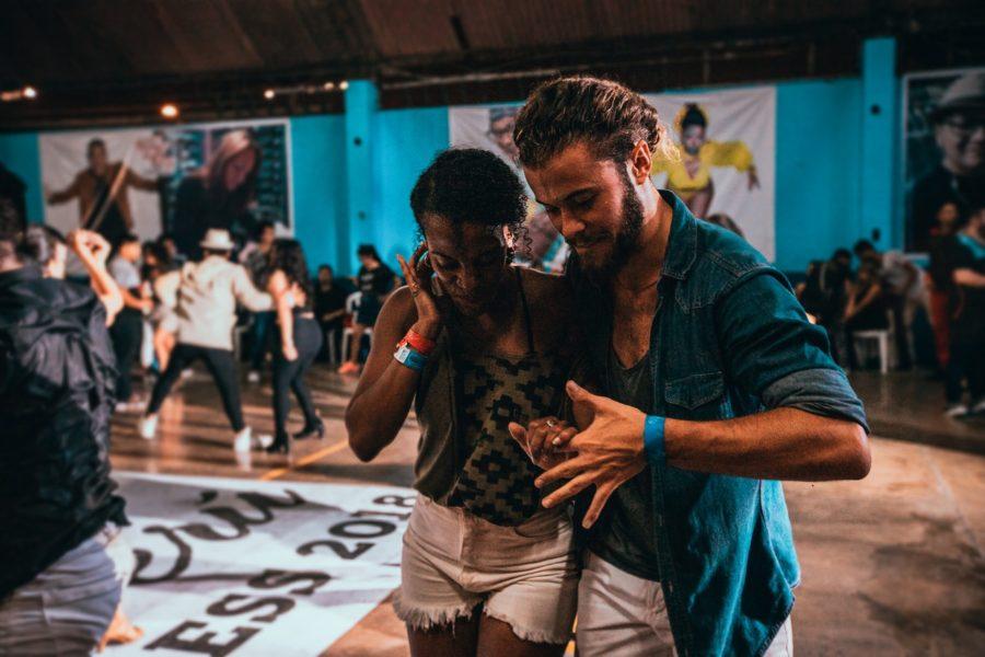 La salsa à Paris: histoire, préjugés et où la danser !