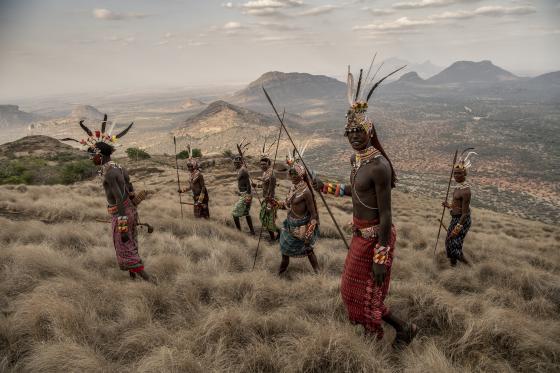 Voyage en terres indigènes avec l'expo engagée de l'Atelier des Lumières
